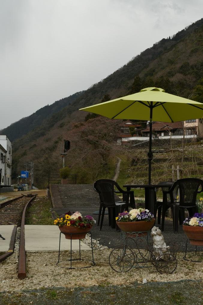 安芸飯室の駅舎カフェ