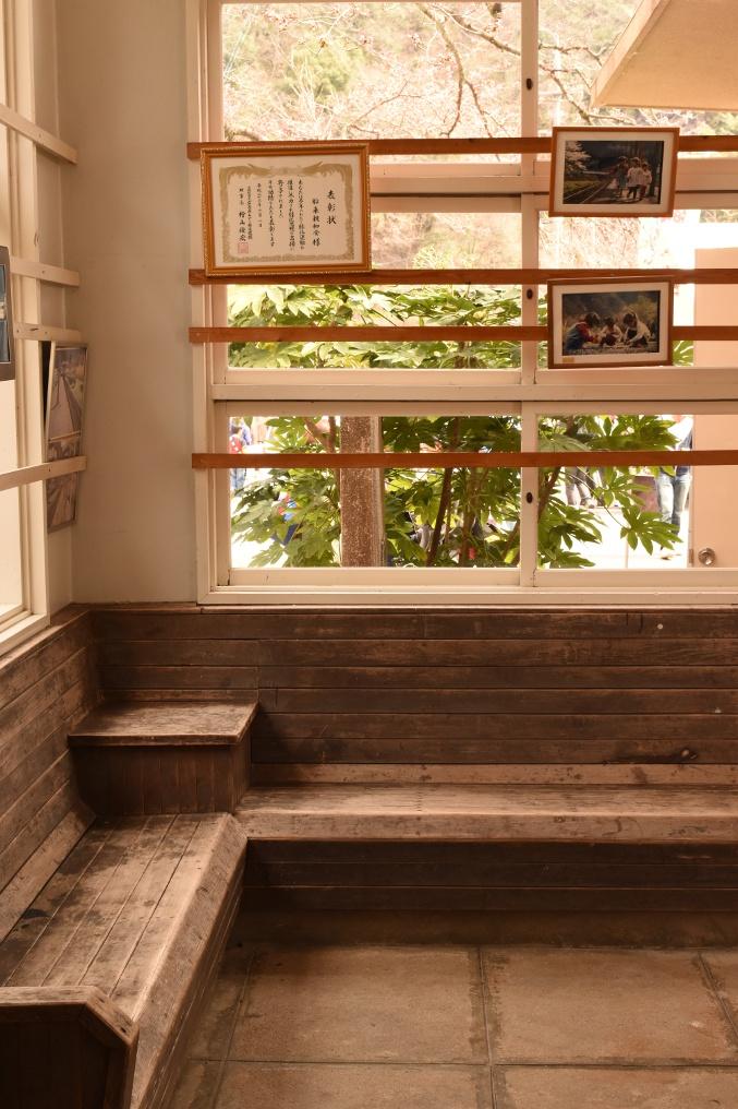 旧安野駅待合室