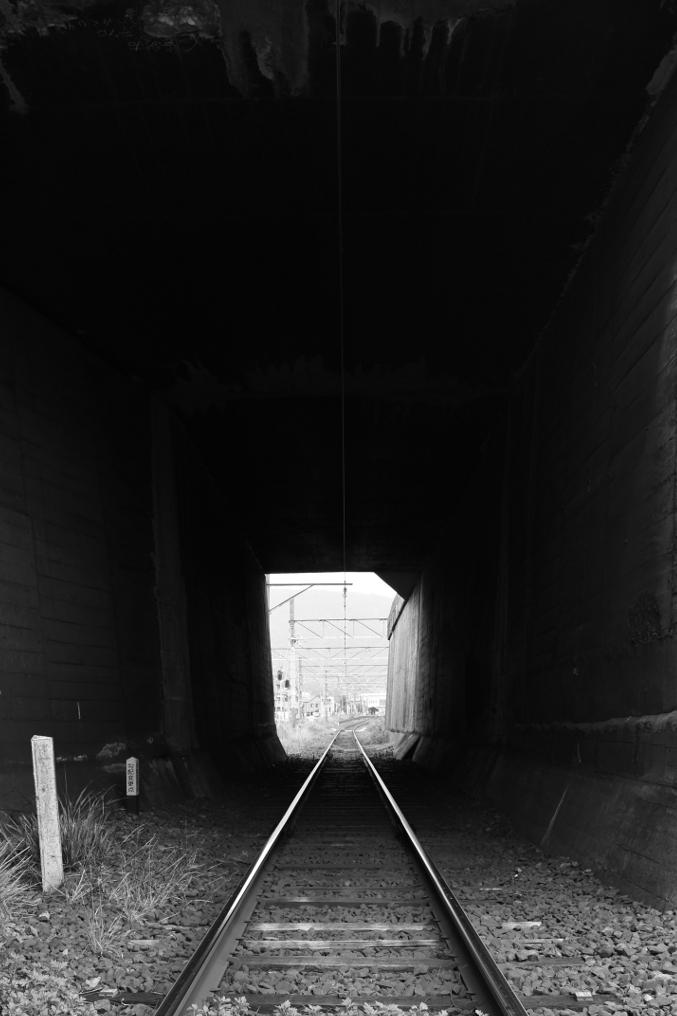 トンネル交差
