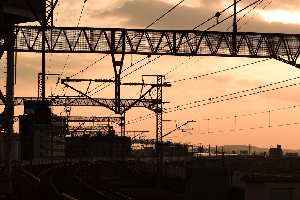 夕焼けの新幹線