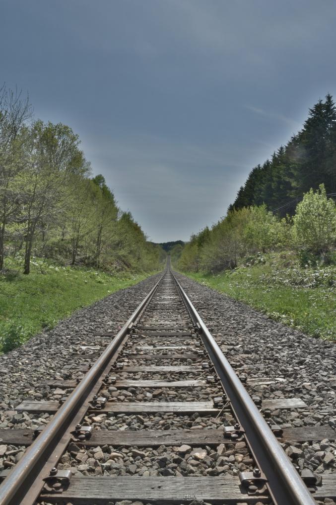 どこまでもまっすぐな線路