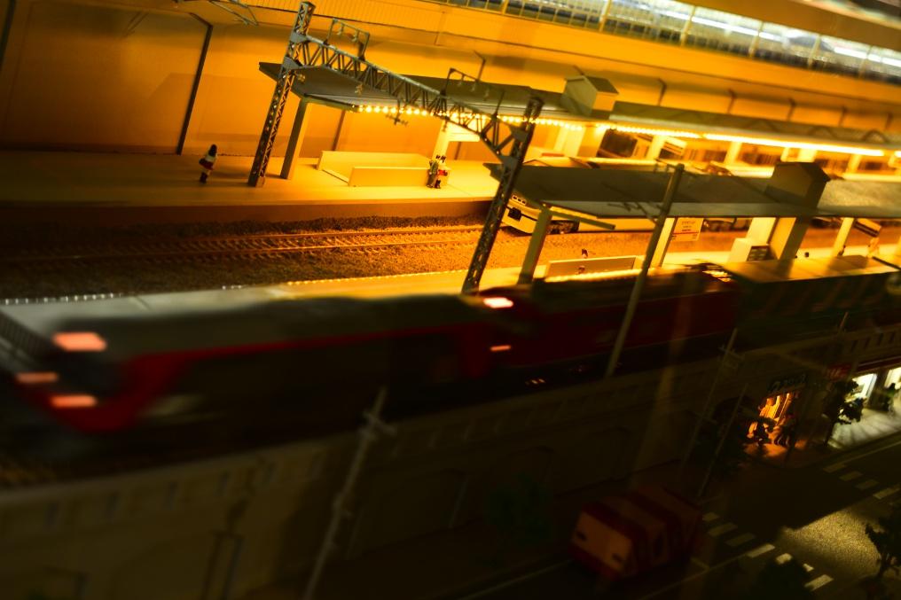 鉄道模型 夜のホーム