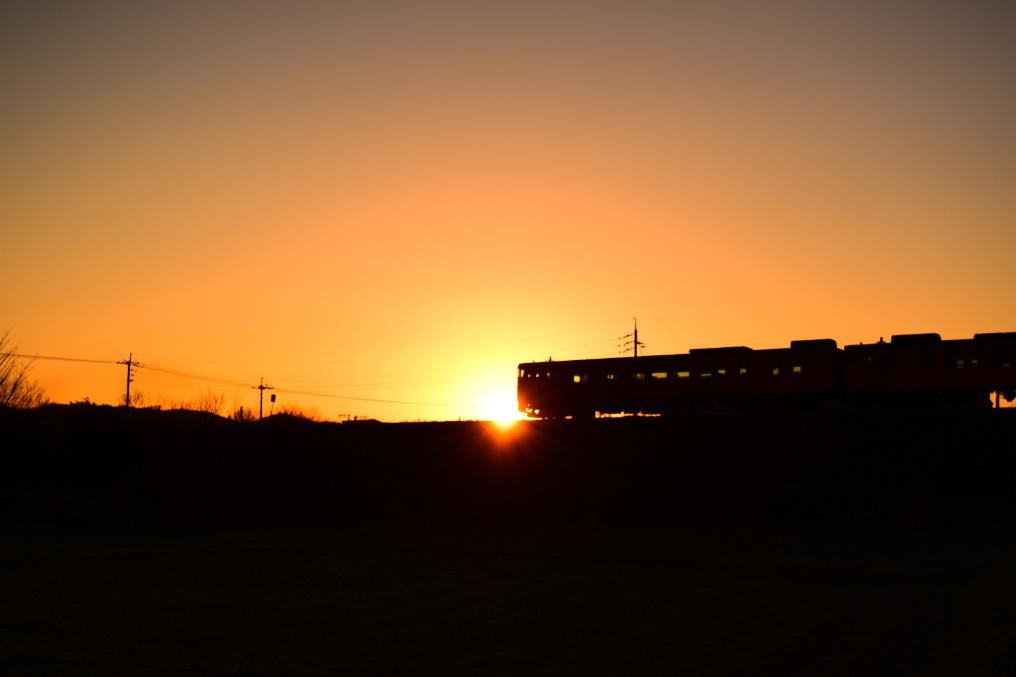 朝陽とキハ