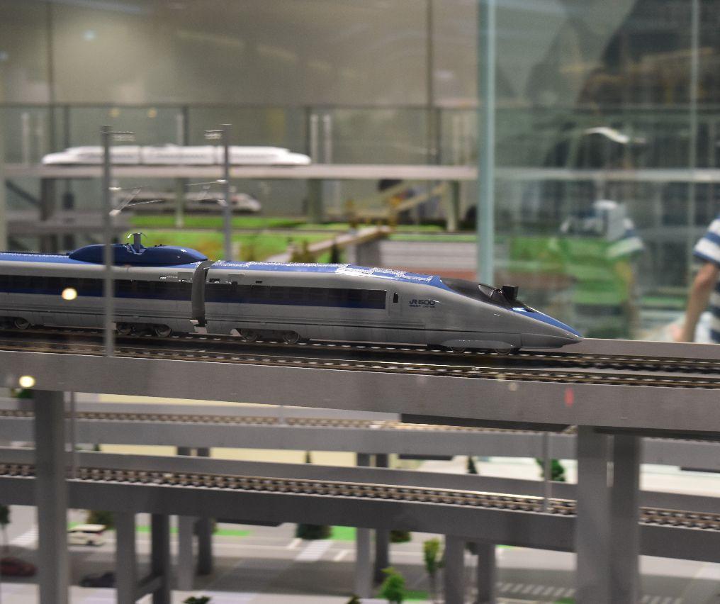 鉄道模型500系の流し撮り